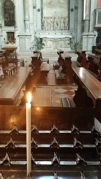 Candle for Van at San Giovanni Crisostomo Venice December 2015 (Michelle Lovric)