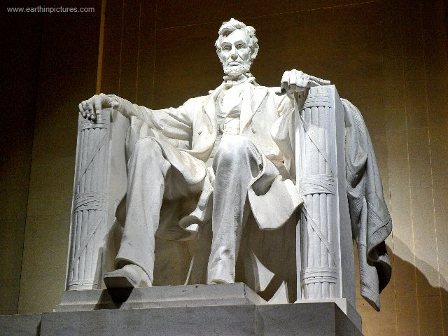 daniel_chester_french_sculpture_of_abraham_lincoln_inside_the_lincoln_memorial