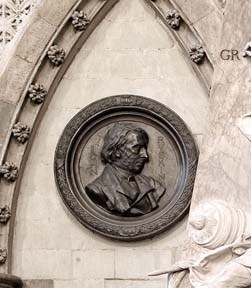 ruskin-john-memorial-72-westminster-abbey-copyright-photo.jpg